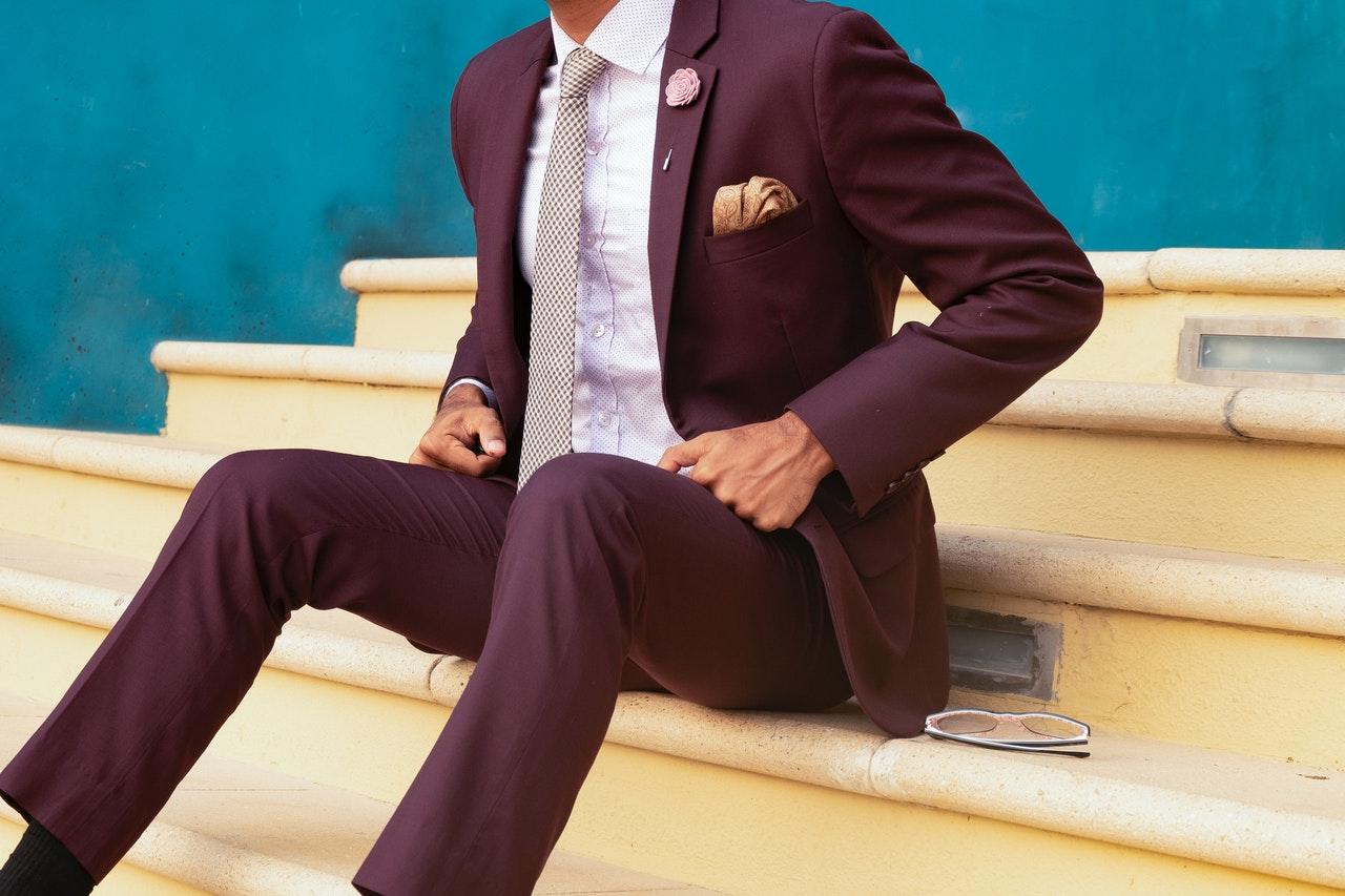 Should You Wear a Suit